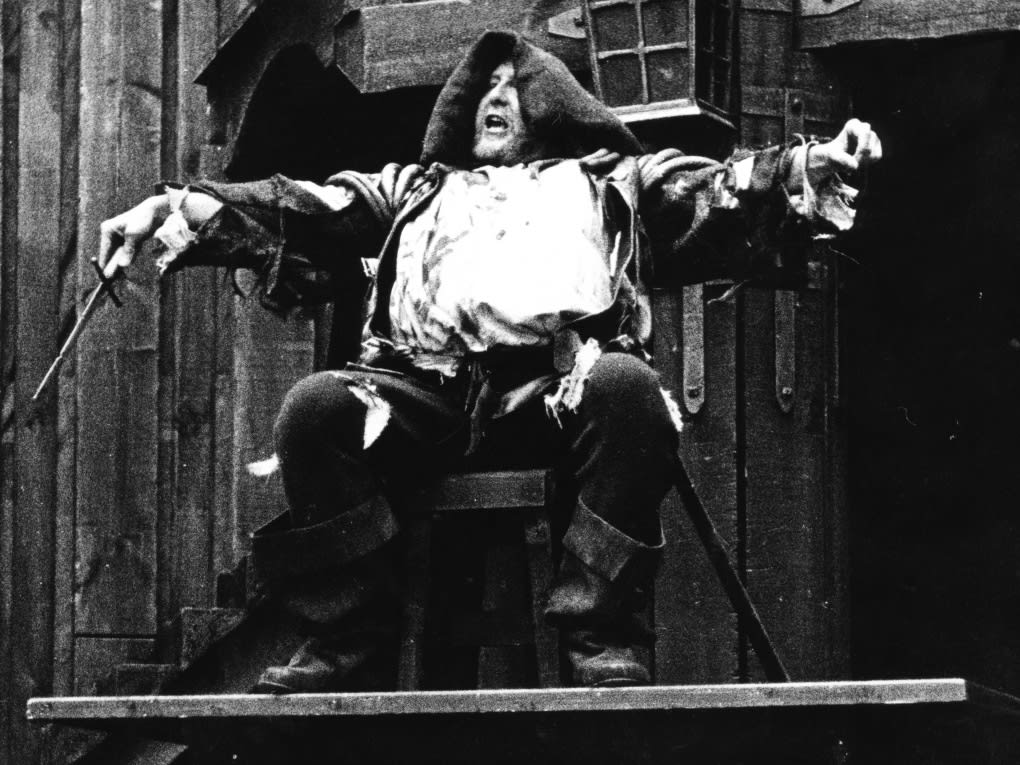 1969HenryIV Part1 FrankThringFalstaff Photo by HelmutNewtonHenryTalbot adm9vs