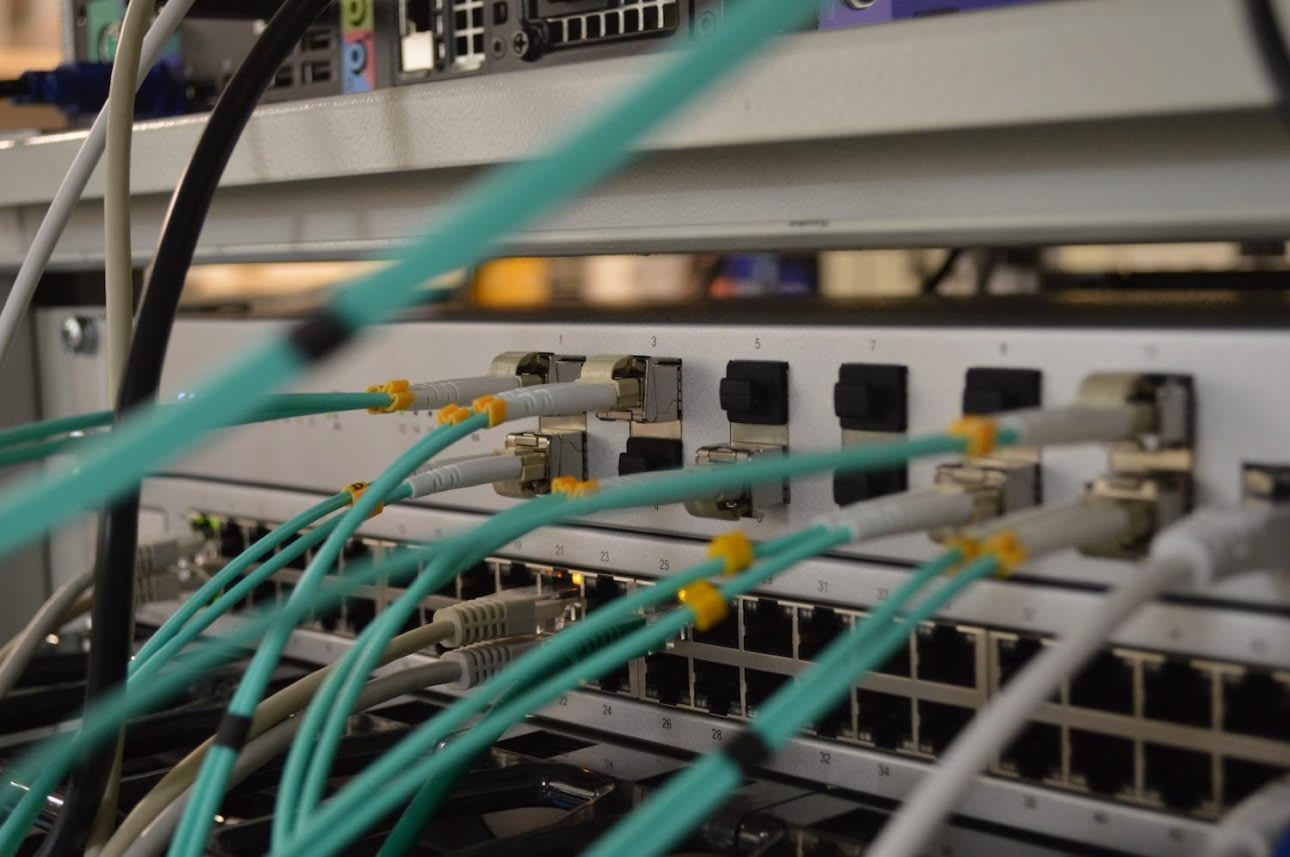 Server wires in colour