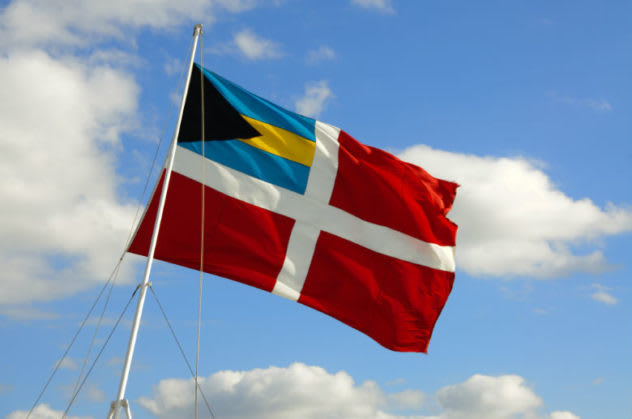 The Bahamas maritime flag