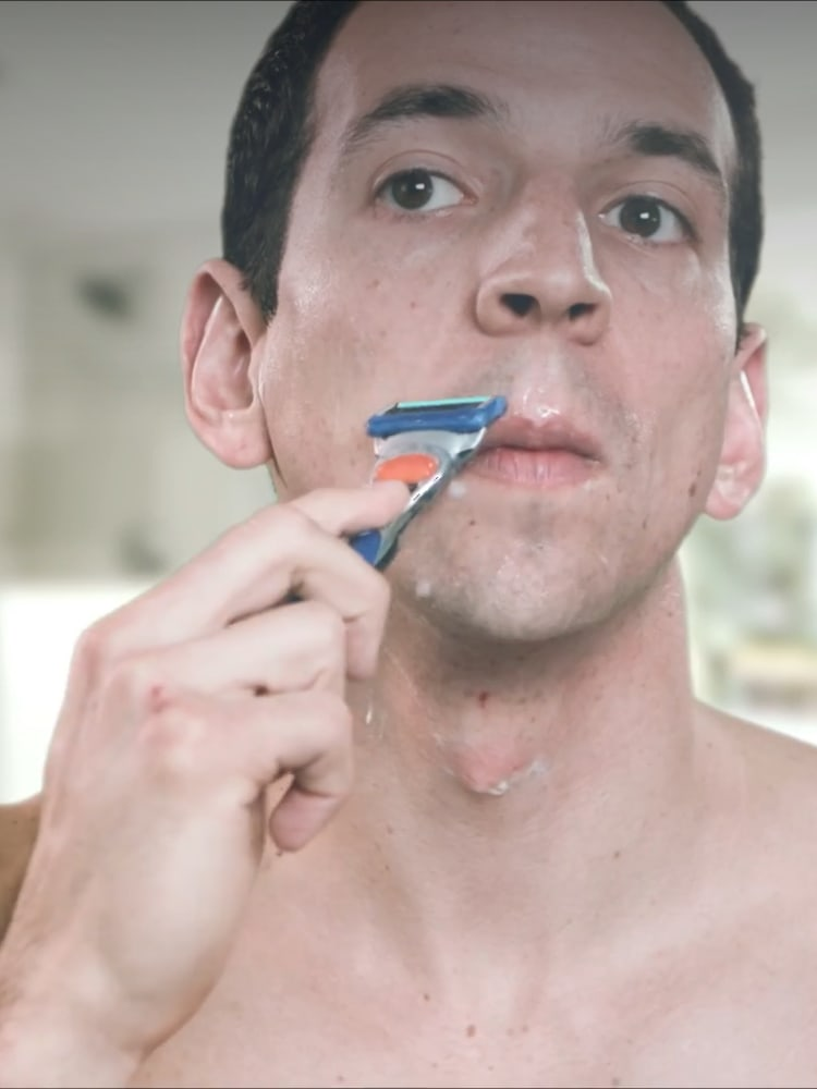 How to help prevent missed hairs while shaving: Gillette flexball technology