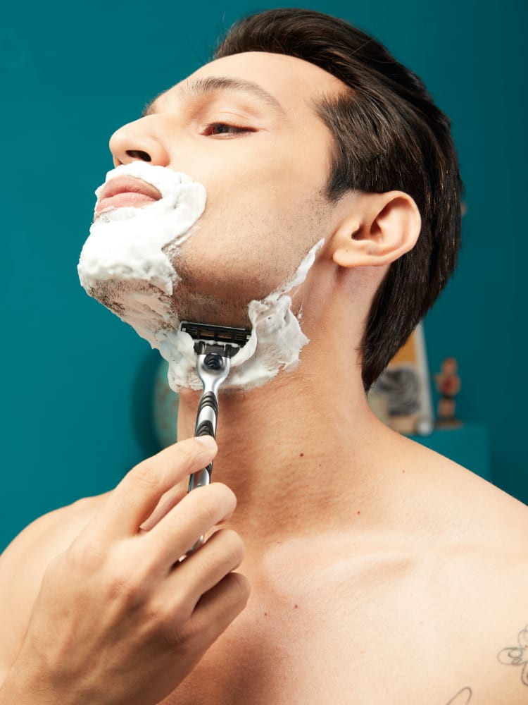 How to prevent neck irritation after shaving