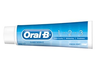 Oral-B 1-2-3 toothpaste for complete oral care