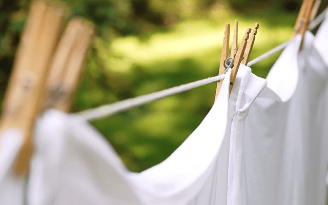Washing white sheets and bed linen