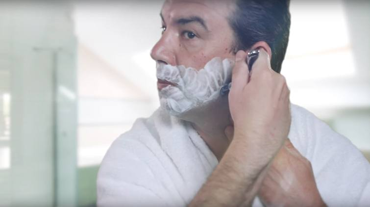 Keep your razor clean for a perfect shave.