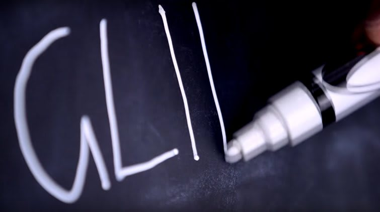 Now imagine chalk pens: they use a liquid, so you can glide over the chalkboard and produce a smooth, sharp line.