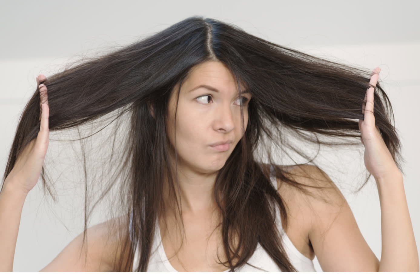 Reasons Behind Smelly Scalp & How to Get Rid of It