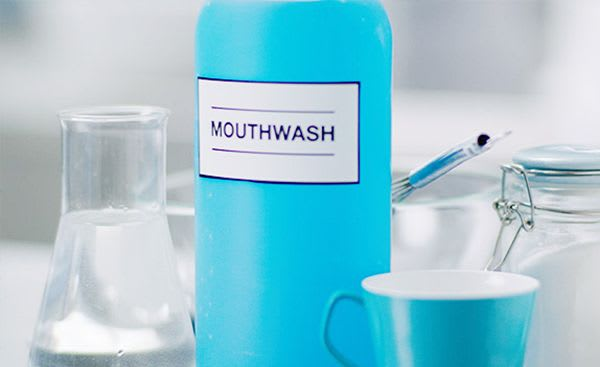 Natural dandruff remedies: can mouthwash get rid of dandruff?