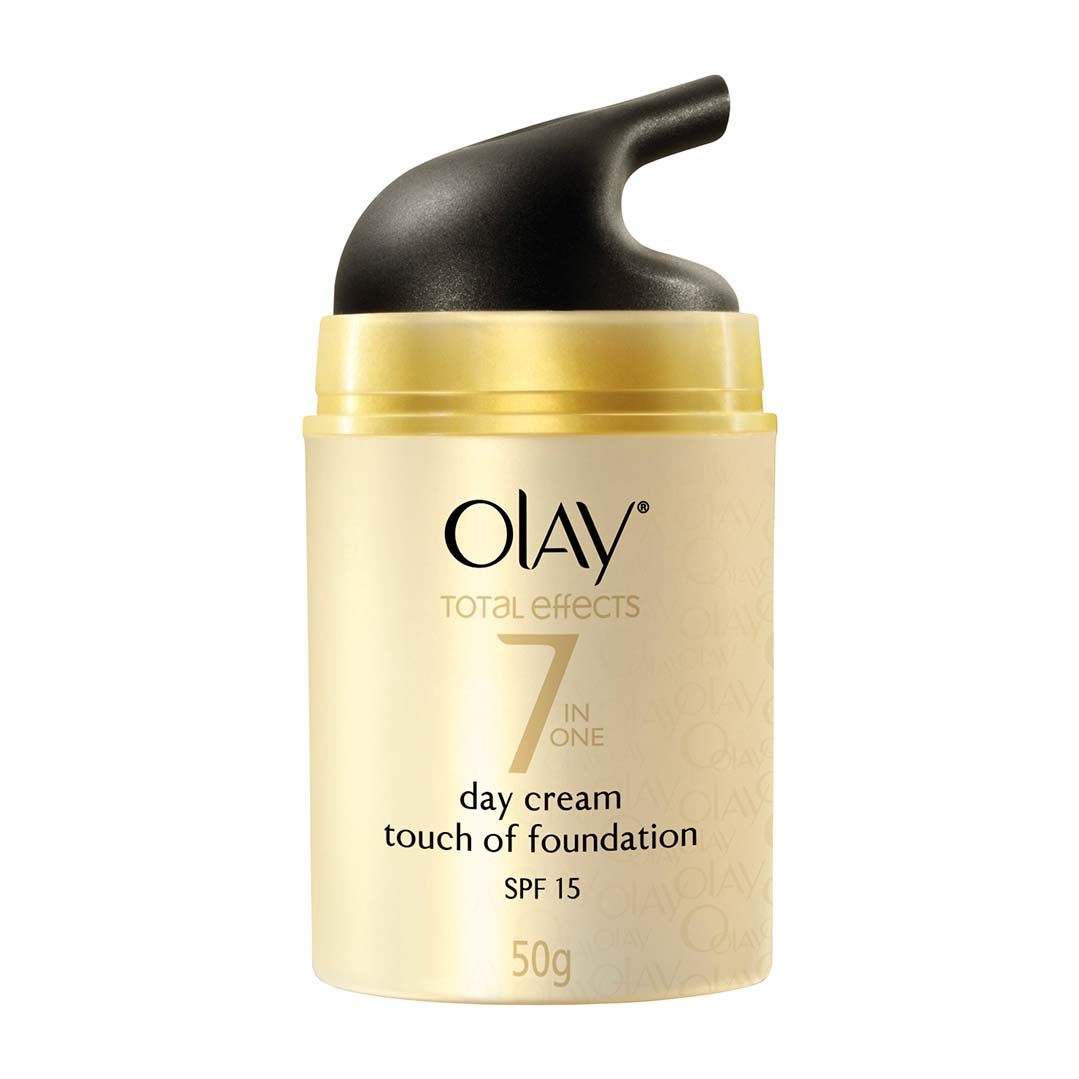 Olay Total Effects 7 in One Day Cream Touch of Foundation SPF 15