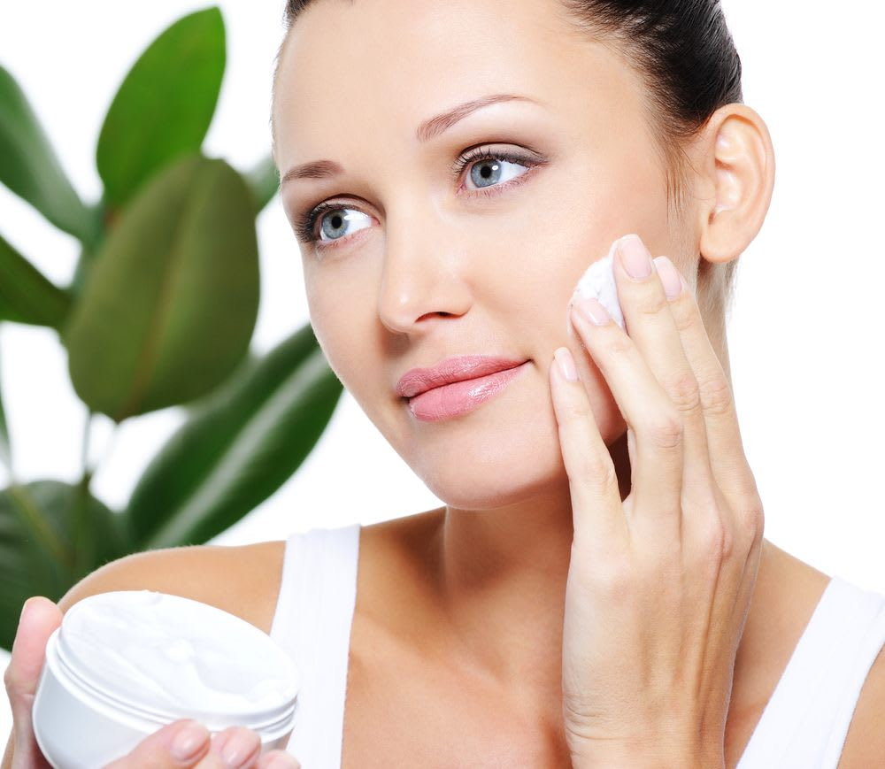 Moisturizers & Serums for Facial Skin Care