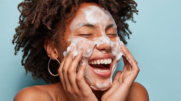 How to cleanse your face in 4+1 steps
