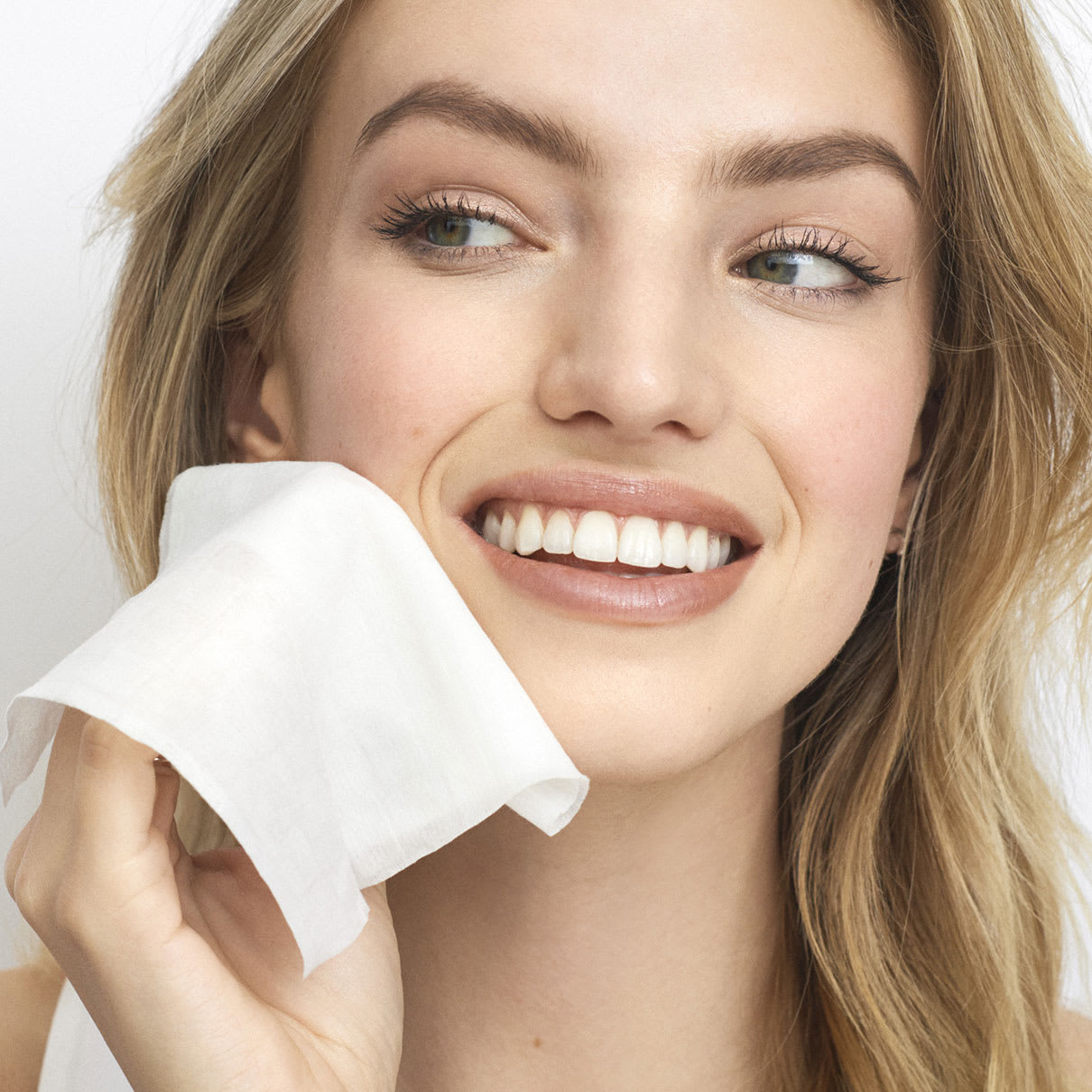3_Facial_cleansing_wipes
