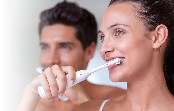 What is dental plaque and tartar on teeth? | Oral-B