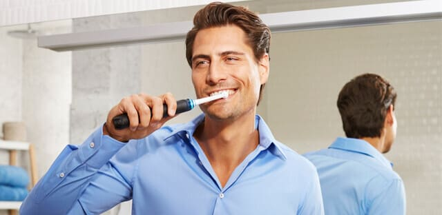 electric-toothbrushes-remove-plaque-better-than