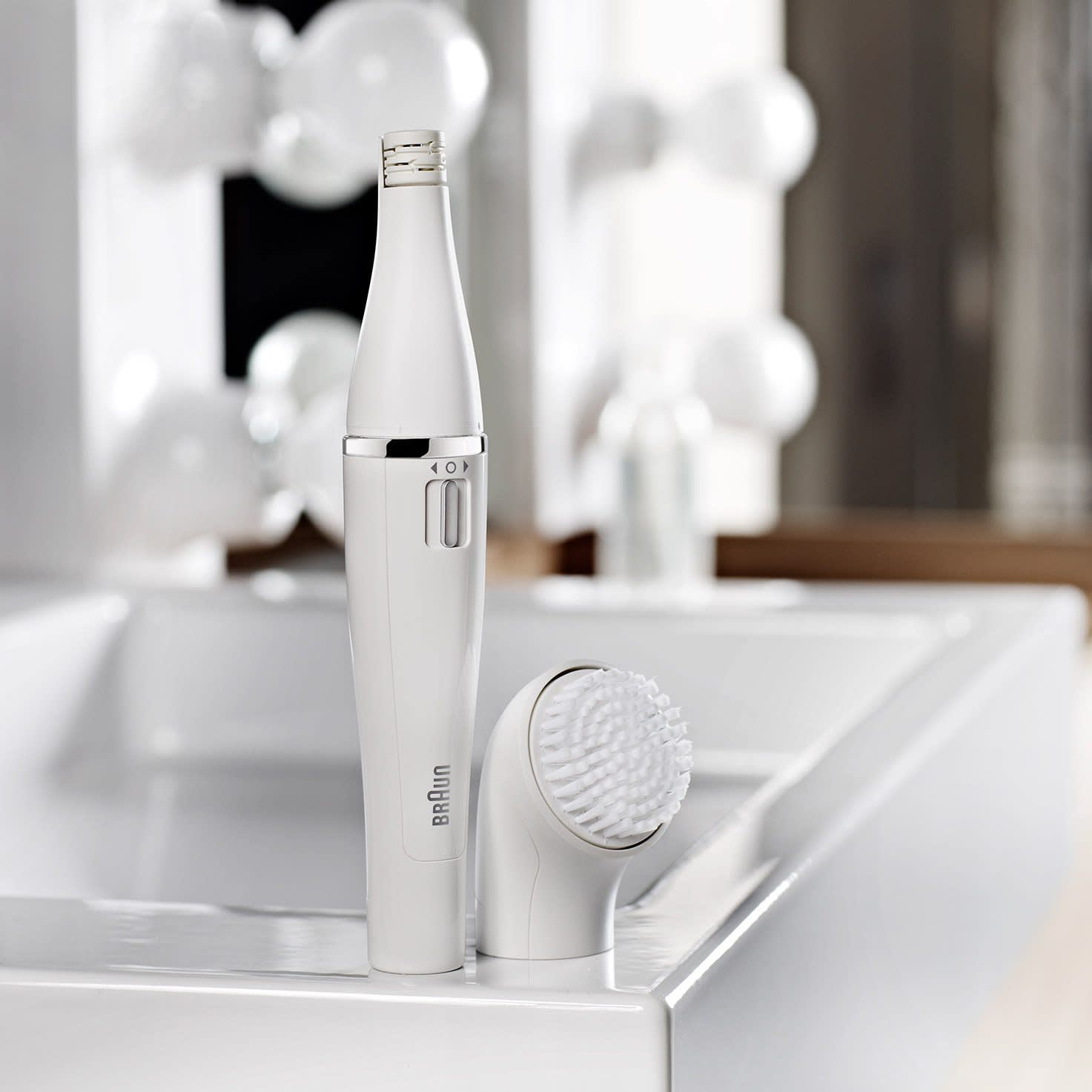 Braun Face 830 Premium Edition - facial epilator & facial cleansing brush with micro-oscillations
