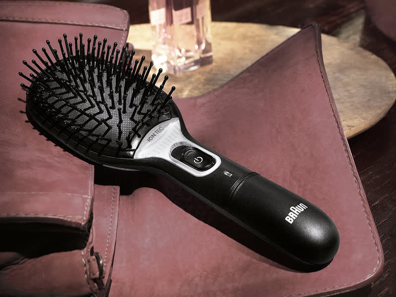 Braun Satin Hair 7 Brush - to add natural shine