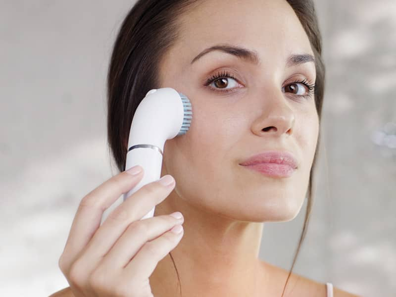 How To Exfoliate Your Face Step By Step Guide Braun Uk