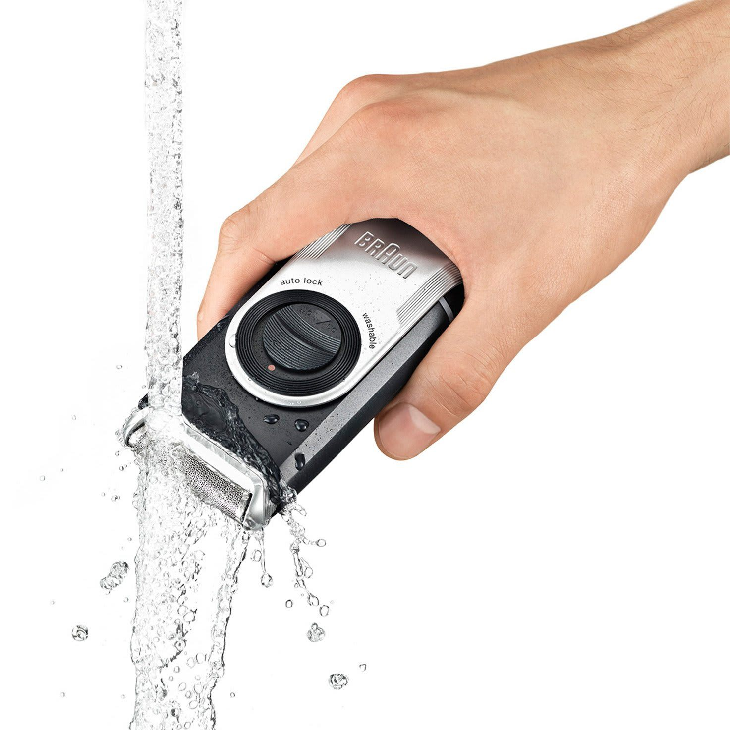 Braun MobileShave M-90 - in hand