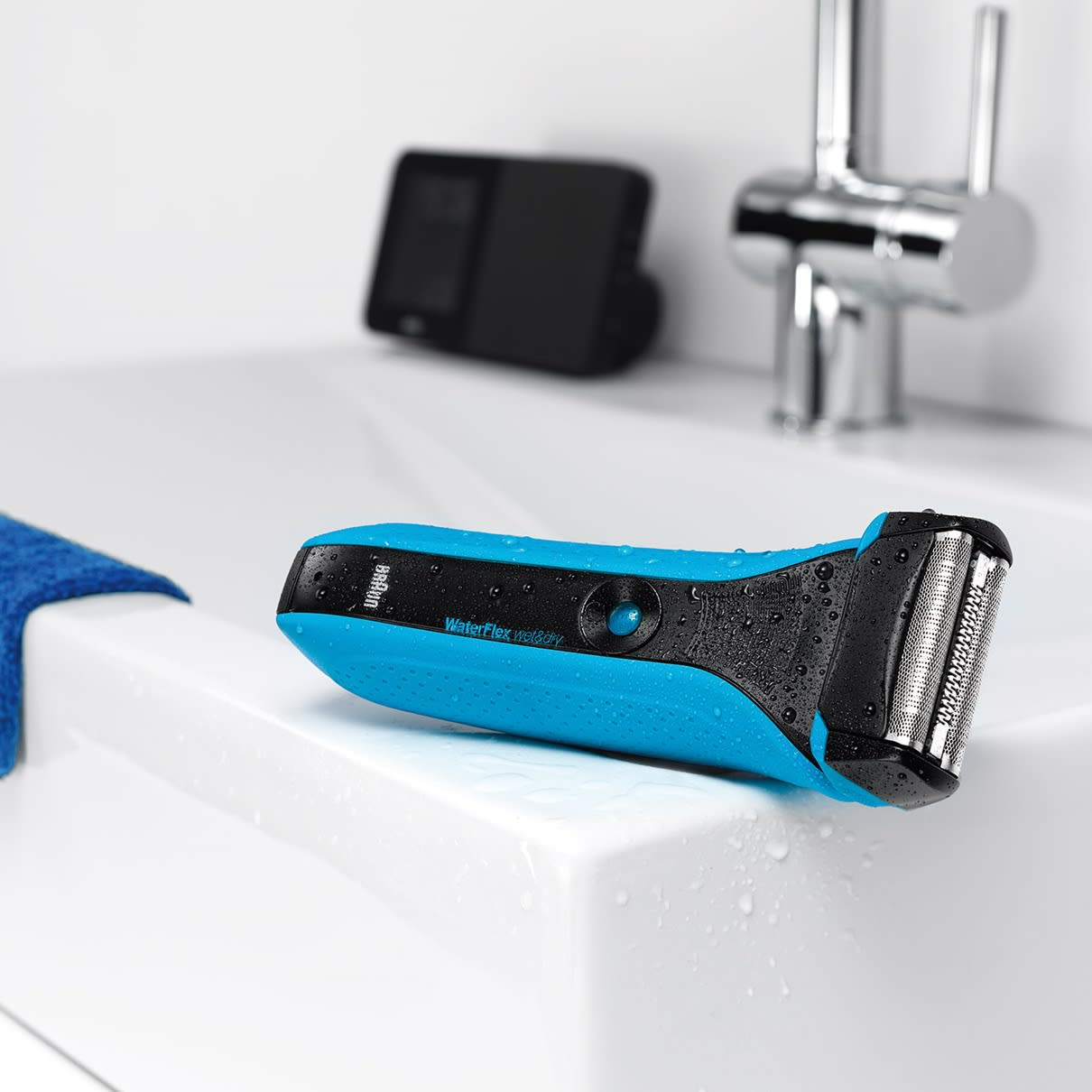 WaterFlex WF2s blue Wet&Dry shaver with swivel head