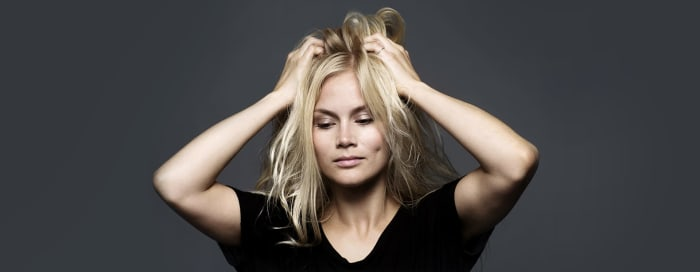 How to manage greasy hair at home