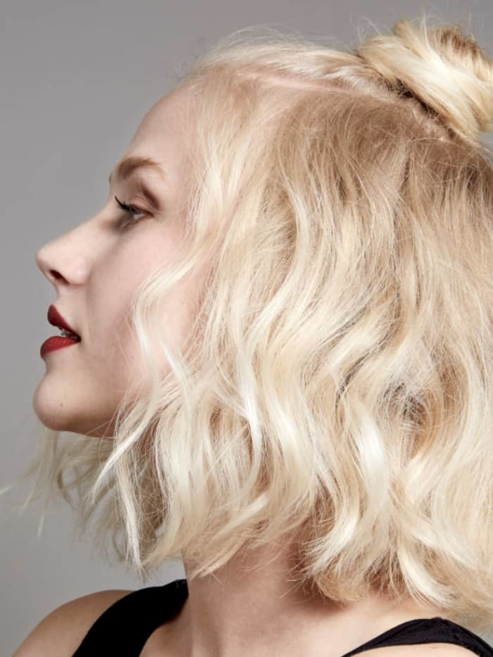 Creative hairstyles to tame your frizzy hair