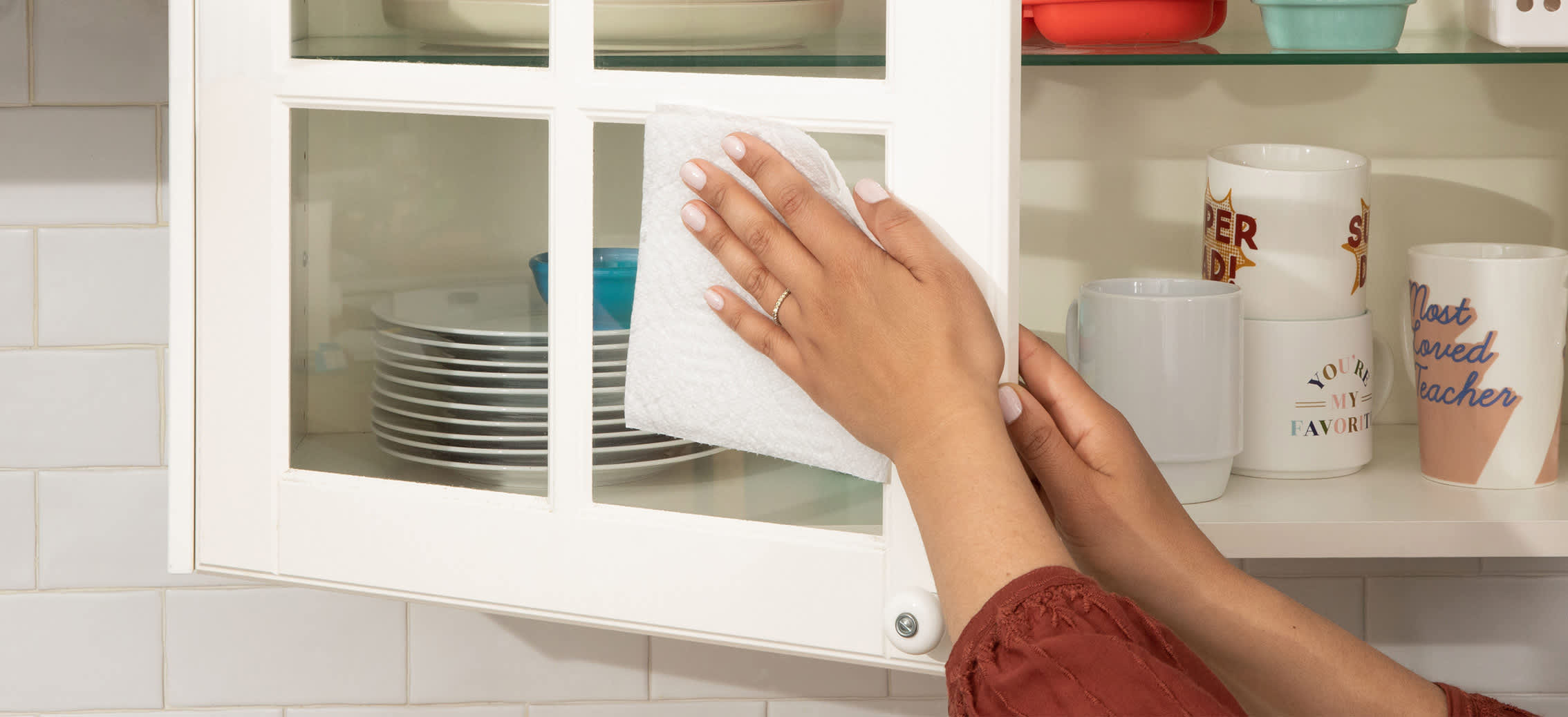 A Guide to Spring Cleaning Your Kitchen Cabinets