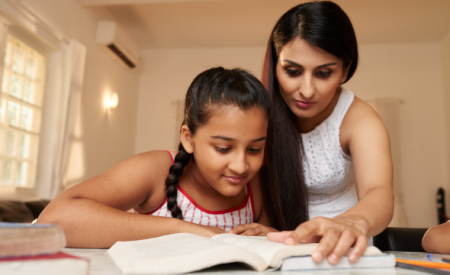 How to raise a confident daughter?