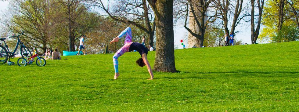 Yoga im Freien für alle, Olympiapark