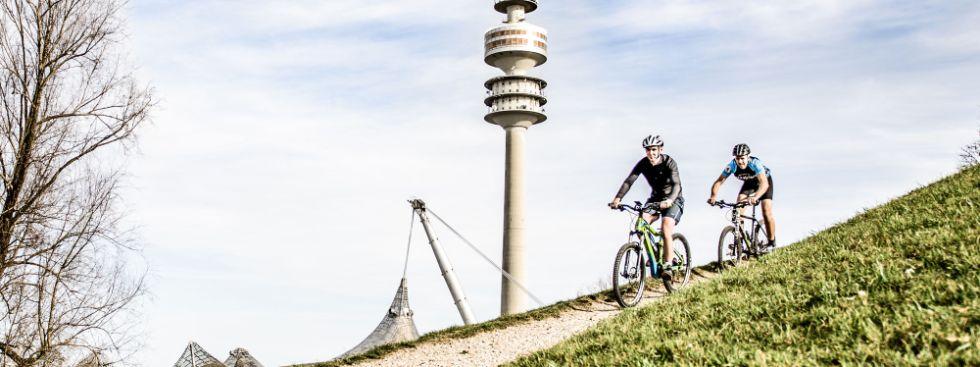 Sattelfest - Mountainbiker am Olympiaberg