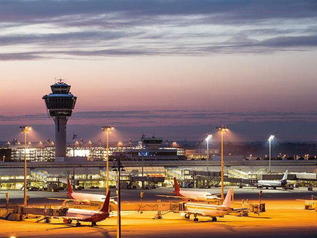 Lichterfahrten am Flughafen