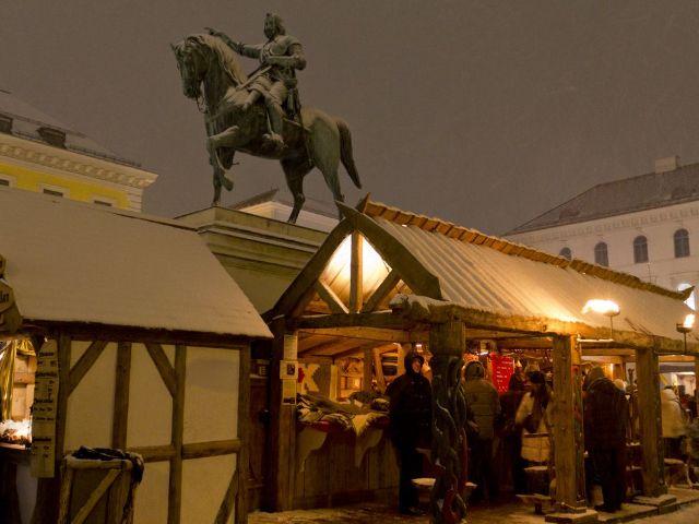 Mittelaltermarkt auf dem Wittelsbacherplatz