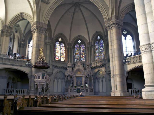 Innenraum der Kirche St. Lukas in München