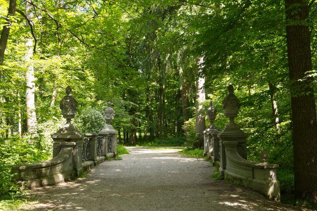 Kleine Brücke im Schlosspark Nymphenburg