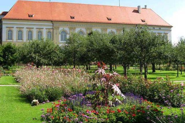 Schloss Dachau Garten