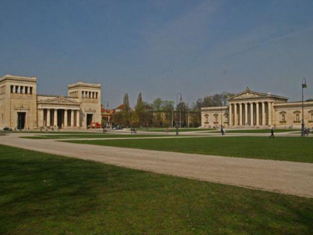 Königsplatz mit Glyptothek