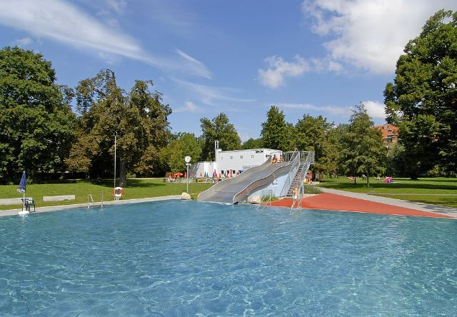 Munich's oldest public swimming pool!