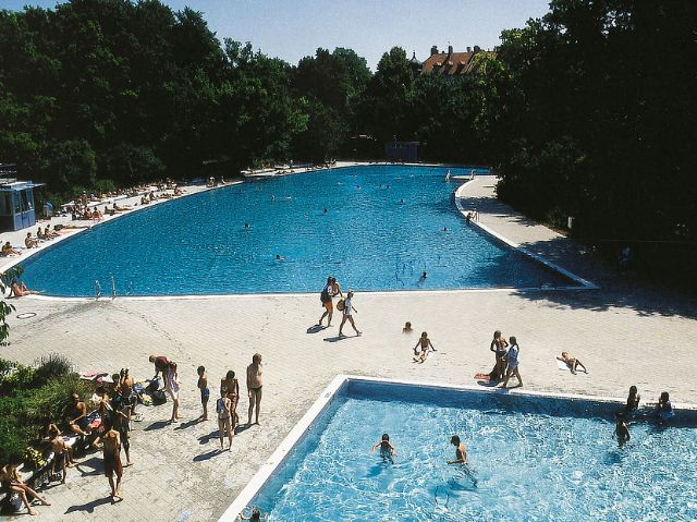 The outdoor pools of the Ungererbad in munich.