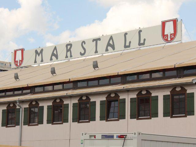 Das Marstall Zelt auf dem Oktoberfest in München ersetzte das Hippodrom.