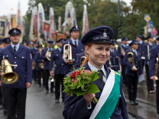 Trachtenumzug Oktoberfest München - Das offizielle Stadtportal ...