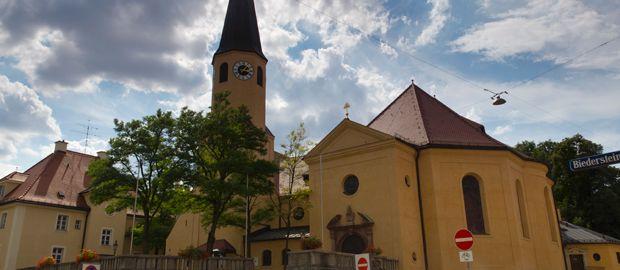 Sankt Sylvester Kirche in München Schwabing