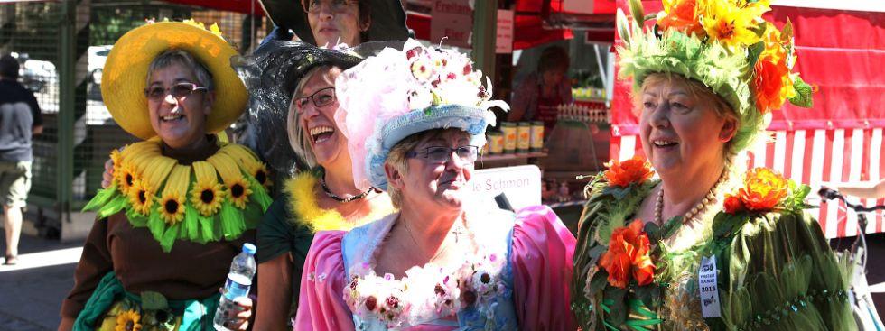 Brunnenfest Viktualienmarkt 2013 fünf Blumenfrauen
