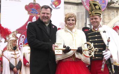 Das Prinzenpaar mit Bürgermeister Josef Schmid.