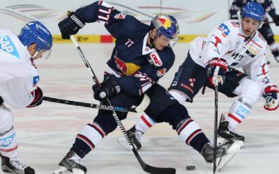 Spielszene EHC Red Bull gegen Mannheim