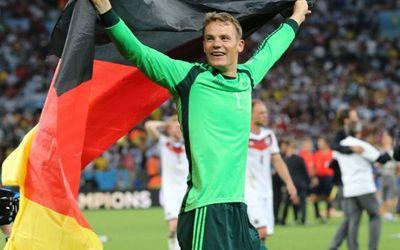Manuel Neuer feiert den WM-Sieg 2014