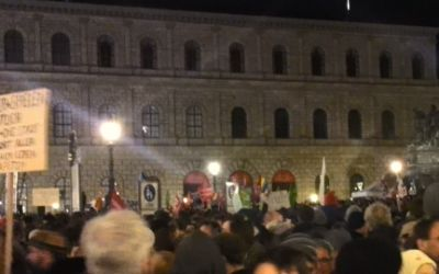 Demonstration gegen Pegida am Max-Joseph-Platz am 22.12.