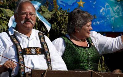 Wiesnwirt Ludwig Hagn mit Frau Christa.