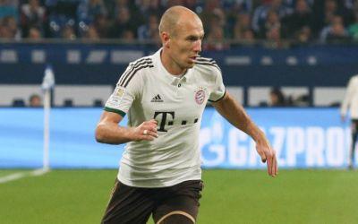 Arjen Robben dribbelt