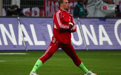 Manuel Neuer dehnt sich