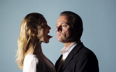 """""""Antigone"""" mit Valery Tscheplanowa und Norman Hacker am Residenztheater"""
