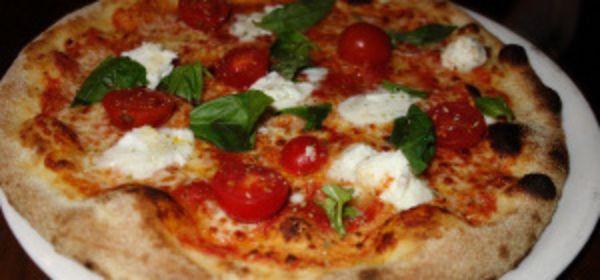 Belegte Pizza