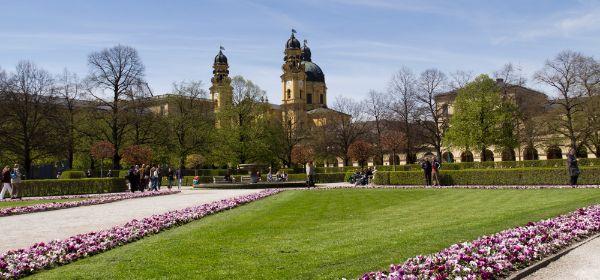 Der Hofgarten im Frühling